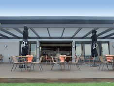 Move your indoors, outdoors. Ideal for functions and gatherings or for whenever your indoor needs some more breathing space - The Glide Away Tilt Wall is the perfect solution!