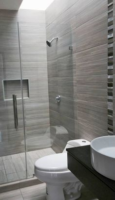 Small Bathroom Interior, Small Bathroom With Shower, Bathroom Design Luxury, Modern Bathroom Decor, Bathroom Layout, Modern Bathroom Design, Hobby Design, Toilet Design, Home Room Design