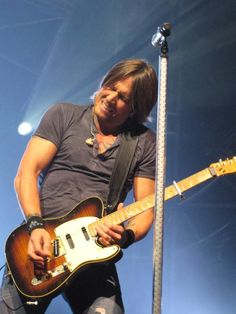 Keith Urban on Get Closer Tour stop in Buffalo, NY September 8, 2011