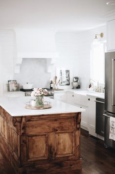 Our Kitchen Renovation Before Amp After Home Futura Casa Casas New Kitchen, Kitchen Decor, Kitchen Wood, Kitchen Ideas, Design Kitchen, Kitchen Furniture, Kitchen Modern, Kitchen Cabinets, Furniture Ideas
