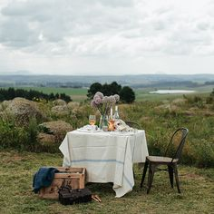 Relaxed outdoor entertaining along the KZN Midlands Meander, South Africa. www.midlandsmeander.co.za