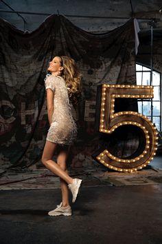 Chanel se met aux sneakers...#chanel#sneakers#streetwear