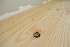 I love this lovely wide plank oak floor Pine Wood Flooring, Clean Hardwood Floors, Wood Laminate Flooring, Pine Floors, Diy Flooring, Wood Planks, Wood Floor Kitchen, House On A Hill, Wide Plank