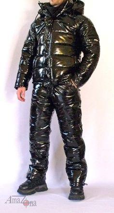 Monte Vista shiny vinyl down suit downjacket daunenjacke Nylons, Down Suit, Winter Suit, Pvc Raincoat, Funky Outfits, Costume, Overall, Lightweight Jacket, Vinyl