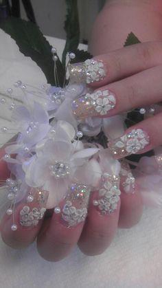 Galeria de imagenes #NailArt #Hispano - Arte & Nails Club great for the bride!