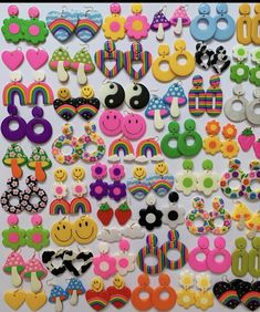 Polymer Clay Ring, Polymer Clay Crafts, Funky Jewelry, Cute Jewelry, Diy Clay Earrings, Clay Art Projects, Cute Clay, Clay Charms, Clay Creations