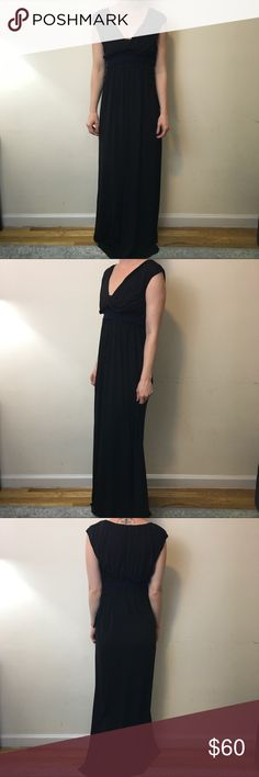 Vera Wang Black Stretchy V Neck Maxi Dress Vera Wang Dress black and is short sleeve has a belt tie that is Crochet like and attached. Maxi and super cute! Great for weddings Vera Wang Dresses Maxi