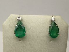 Emerald and White Diamond Earrings on auction at #graysonline #earrings #diamond #emerald #green #diamondsareagirlsbestfriend #Jewelry #jewellry #auction #bid #online #$9startprice