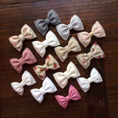 Mix and match 4 small hair bows from Seaside Sparrow. Make your own set from your favorite Seaside Sparrow colors listed on our site. by theSeasideSparrow on Etsy Ribbon Hair Bows, Diy Hair Bows, Diy Bow, Hair Scarf Styles, Toddler Bows, Handmade Hair Bows, Diy Crafts Hacks, Making Hair Bows, Diy Headband