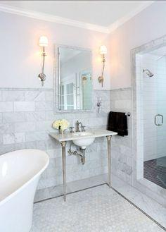 Bathroom Design. Great bathroom design ideas. I love the marble flooring and backsplash tiles. #Bathroom #Marble