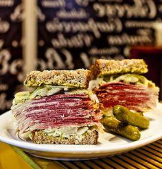 A Z Deli Sanduíches volta para a Feirinha Gastronômica, agora com o sanduíche de pastrami, eleito o melhor de São Paulo (Foto: Felipe Gombossy / ÉPOCA SP)