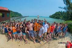 A quick shot of everyone before they start packing their rucksacks to depart our Gaya Island paradise ;)