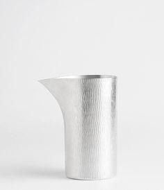 minimalistic designed and metallic patterned can for serving liquids   kitchenware . Küchengeschirr . battie de cuisine   Design: Pewter Vessel  