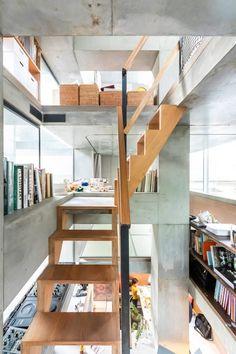 Interior Design Programs, Luxury Interior Design, Unique Architecture, Minimalist Home, Tiny House, Stairs, Flooring, Space, Room