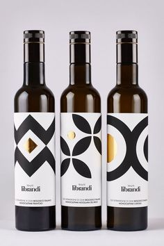 The graphics on the label are crisp, with smooth curves and perfectly straight lines. Gold hot foil pops, making the olive oil stand out against others on the shelf. By sticking to mostly black and white, the appearance feels classic and high-end, avoiding business and instead exuding the confidence of a premium quality product.: