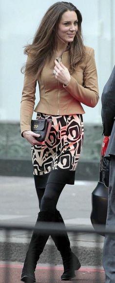 9 February 2011 - Black & White Diane Von Furstenberg Samuella Dress