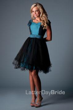 Knee Length Poofy Prom Dresses