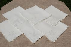 Vintage White on White Linen Napkins with Cutwork and Embroidery Details in Flower Pattern and Scalloped Edge, set of 6