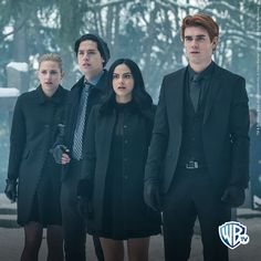 What Riverdale character do you know after your Astro character? Riverdale Netflix, Riverdale Cw, Riverdale Memes, Riverdale Poster, Riverdale Aesthetic, Riverdale Fashion, Riverdale Funny, Betty Cooper, Tim Burton