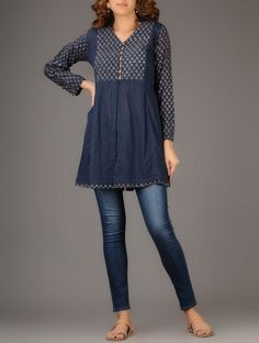 44 Ideas womens fashion casual over 40 jeans style for 2019 Short Kurti Designs, Kurta Designs Women, Printed Kurti Designs, Kurti With Jeans, Kurta Patterns, Kurta Neck Design, Indigo, Tunic Designs, Cotton Tunics