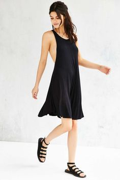 Silence + Noise Poe Dropped Armhole Dress - Urban Outfitters