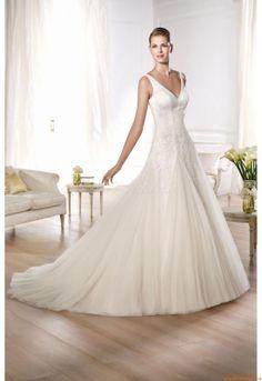 Pronovias presents the Oly wedding dress. Pronovias Wedding Dress, Wedding Dress Organza, Applique Wedding Dress, Wedding Dresses For Sale, Modest Wedding Dresses, Bridal Dresses, Tulle Wedding, Tulle Lace, Inexpensive Wedding Dresses