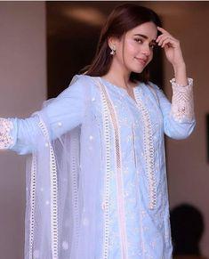 Classy Fashion Tips .Classy Fashion Tips Simple Pakistani Dresses, Pakistani Fashion Casual, Pakistani Dress Design, Pakistani Gowns, Pakistani Clothing, Pakistani Girl, Pakistani Actress, Pakistani Outfits, Asian Fashion