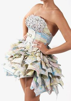 Obsessed with Sara Basse's map dress! Recycled Costumes, Recycled Dress, Recycled Clothing, Paper Fashion, Fashion Art, Fashion Show, Fashion Design, Paper Clothes, Paper Dresses