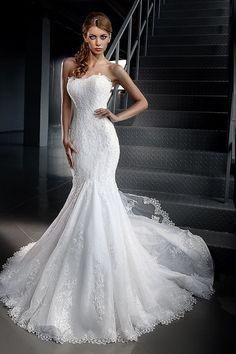 Décolleté wedding dress.Lace wedding by AutumnSilkBridal on Etsy