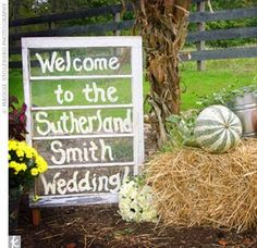 Welcome sign to the wedding!