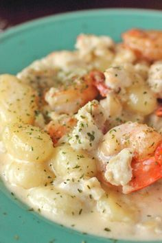 This Seafood Gnocchi with White Wine Cream Sauce looks absolutely delicious! We can't wait to add this into our collection of dinner recipes.