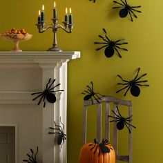 These spider silhouettes are sure to scare up some fun this Halloween! #marthastewartcrafts