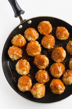 4. Buffalo Cauliflower Meatballs #greatist http://greatist.com/eat/vegetarian-meatball-recipes