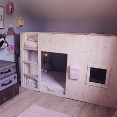 Kids room ideas for girls ikea kura bed hack Ideas Ikea Hack Lit, Ikea Bed Hack, Ikea Hacks, Kid Beds, Bunk Beds, Kura Ikea, Bunk Bed With Desk, Kids Room Design, Kid Spaces