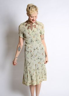 Reserved // Late 30s Dress // Sleeping Beauty by dethrosevintage, $135.00