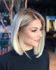 Coolest Stacked Bob Hairstyles 2019 for Women To Mesmerize Anyone. Bob Hairstyles 2019 are Trendiest Hairstyles for Women and Provide Everlasting beauty. Here are Most Admired Stacked Bob Hairstyles 2019 to Look Gorgeous and Tremendous This Year. Stacked Bob Hairstyles, Blonde Bob Hairstyles, Medium Bob Hairstyles, Blonde Hair, Hairstyles 2018, Blonde Bob Haircut, Bob Haircuts, Balayage Bob Blonde, Blonde Highlights Bob Haircut