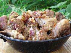 El chivo al ajillo es uno de los platos más tradicionales de la cocina malagueña. Podemos ubicarlo en muchos pueblos de Málaga aunque e...