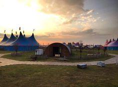Sun is out; countdown started.. #DaydreamFestival #feathersevents #larocca #belgium #dj #megamenmusic #Dancebeats