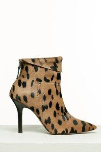 Jerome Dreyfuss Launches First Shoe Collection Jerome Dreyfuss, John Galliano, Bootie Boots, Shoe Boots, Shoe Bag, Ankle Boots, Wedding Heels, Types Of Shoes, Shoe Collection