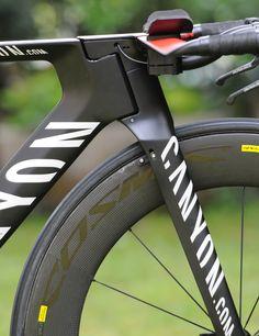 Canyon Speedmax CF - neu designtes, vollintegriertes Zeitfahr/Triathlon-Rennrad bei roadbike.de Canyon Speedmax, Canyon Bike, Dirt Bicycle, Mtb Bike, Bike Details, Bicycle Painting, Speed Bike, Karting, Bicycle Design