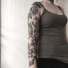 Tattoo Nature Sleeve Insects Ideas For 2019 – floral tattoo sleeve Half Sleeve Tattoos Color, Left Arm Tattoos, Black And Grey Tattoos Sleeve, Floral Sleeve Tattoos, Trendy Tattoos, Unique Tattoos, Tattoos For Women, Tattoos For Guys, Cool Tattoos