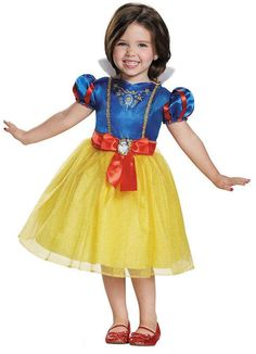 Discover our huge selection of Snow White costumes. Become the fairest of the land and escape the Wicked Queen and meet your Prince this Halloween. Whether you're looking for kids costumes or even adult Snow White costumes - we have it all! Disney Princess Toddler, Disney Princess Costumes, Disney With A Toddler, Disney Princess Snow White, Snow White Disney, Princess Girl, Disney Girls, Royal Princess, Snow White Halloween Costume