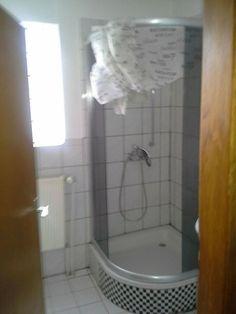 Wohnung / Haus zu vermieten - 2 ZKB - in Asslar OT mit EBK in Hessen - Aßlar   Etagenwohnung mieten   eBay Kleinanzeigen Bathtub, Bathroom, Movie, Hessen, Standing Bath, Washroom, Bathtubs, Bath Tube, Full Bath