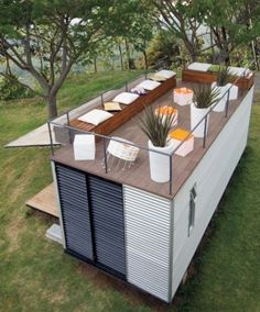Plans To Design And Build A Container Home terasa-amenajata-pe-acoperisul-casei-de-vacanta-din-container.jpg - Who Else Wants Simple Step-By-Step Plans To Design And Build A Container Home From Scratch? Container Bar, Sea Containers, Container Design, Tiny Container House, Sea Container Homes, Storage Container Homes, Cargo Container, Container Store, Container Gardening
