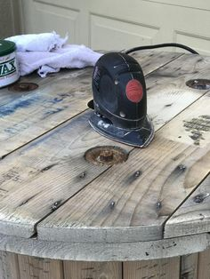 Reimagine the use of old wooden electrical spools to make unique night stands for your home or to use as tables around your campfire. Weekend Projects, Easy Projects, Wooden Spool Projects, Electrical Spools, Wood Spool Tables, Wooden Cable Spools, Backyard Basketball, Letter Stencils, Night Stands