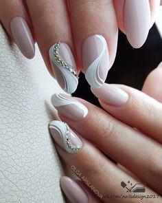 Swirl Nail Art, Gel Nail Art, Nail Manicure, Bridal Nails Designs, Bridal Nail Art, Classy Nail Designs, Nail Art Designs, Olive Nails, Luminous Nails