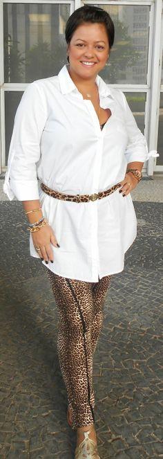 Onça e camisa branca