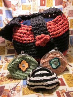 Trapillo crochet handbag for my aunt, brown and green purses for my aunt and my mother in law. Striped purse for me made with wool that I brought from my honey moon to Japan.
