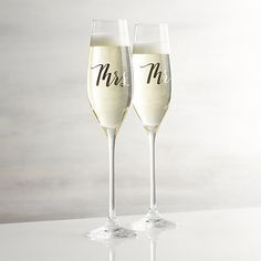 Champagne Glass - Crate and Barrel Wedding Trends, Diy Wedding, Wedding Gifts, Wedding Ideas, Wedding Bells, Wedding Hacks, Table Wedding, Wedding Details, Rustic Wedding