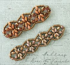 Linda's Crafty Inspirations: Playing with my beads...Golden Age Bracelet samples